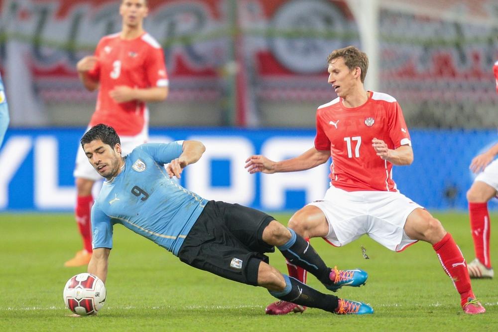 Luis Siarez mit der Rückennummer 9 bei der Fußball WM 2014 (Foto Shutterstock)